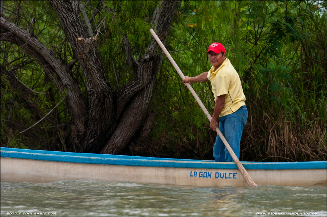 Waterborne transportation is part of daily life for most locals on the Palizada River. (Photo © Iván Gabaldón).