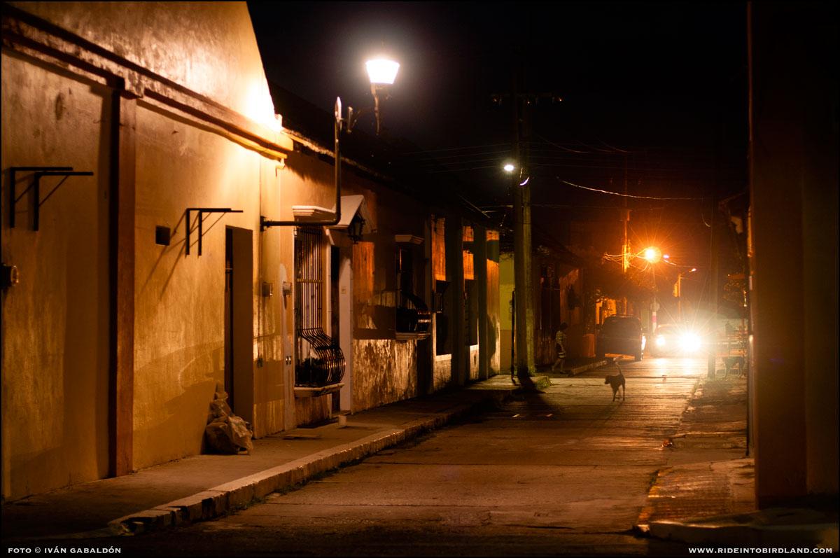 Cae la noche en Palizada. Al día siguiente emprenderemos el regreso a Mérida... y lo mejor está aún por suceder. (Foto © Iván Gabaldón).