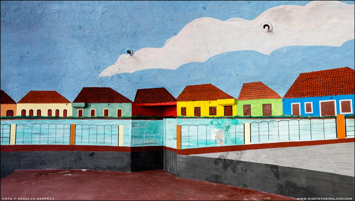 Mural depicting the indivisible link between the town and its river. (Photo © Roselys Oropeza).